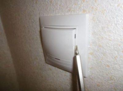 как поменять выключатель света с одной клавишей