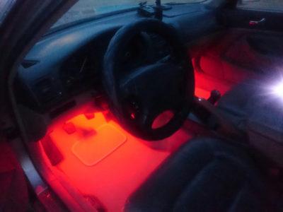 как подключить диодную ленту в машине