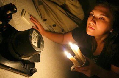 вырубило свет в квартире что делать