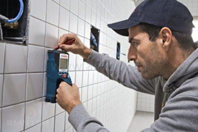 как найти проводку в стене без прибора
