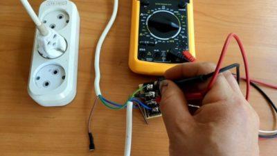 как подключить комбинированный выключатель с розеткой