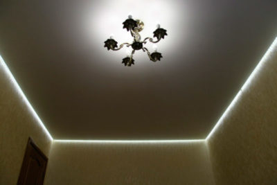 как сделать натяжной потолок с подсветкой