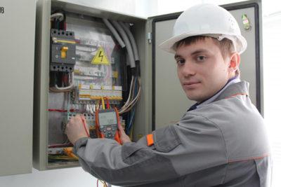 кто должен проходить обучение по электробезопасности