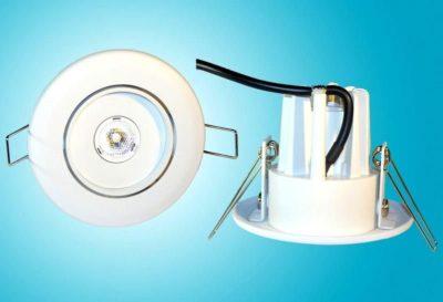 как установить точечные светильники в натяжной потолок