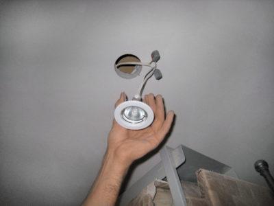 потолочный светильник как установить