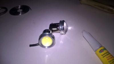 как поменять лампочку ходовых огней на гранте