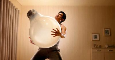 сколько нужно чтобы вкрутить лампочку